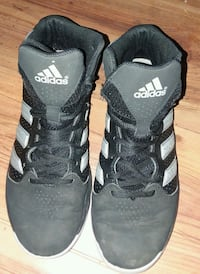 Adidas Basketball Shoes Woman's size 8 McKinleyville, 95519