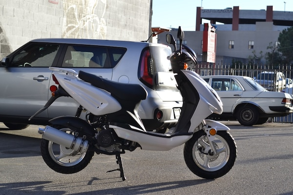 New 2017 Znen 50cc gas scooter