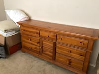 Broyhill Dresser and Nightstand null
