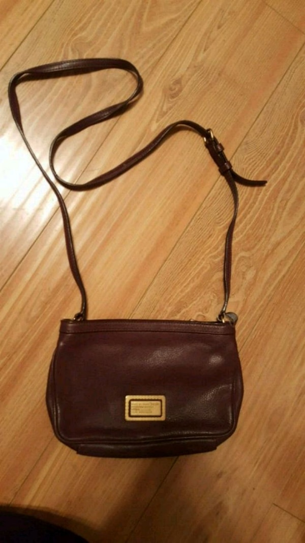 46efcd17cb44 Used Marc Jacobs Bergundy leather sling bag for sale in Rosemead - letgo
