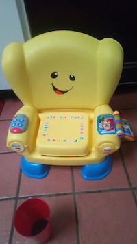 yellow and blue Fisher-Price learning chair 542 mi
