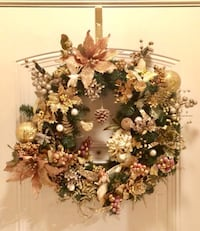 Homemade Gold Christmas Wreath  Herndon, 20171