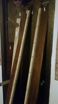 Wooden full size bed frame  Haddam, 06441