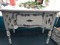 White wooden table Indianapolis, 46234