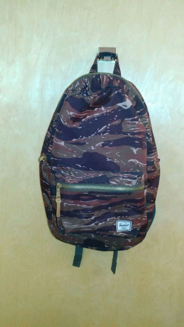 47c8042eaa1d Used Herschel Bag black and brown camouflage backpack for sale in Kansas  City - letgo