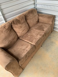 Beige Couch, MUST BE PICKED UP BY 9/25/19 Rock Hill, 29732