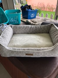 gray and white pet bed Hudson, 34667