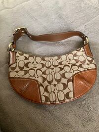 Coach Soho Hobo Bag Classic with Logo tag Plano, 75074