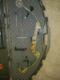 Hunting Parker Compound Bow with case!