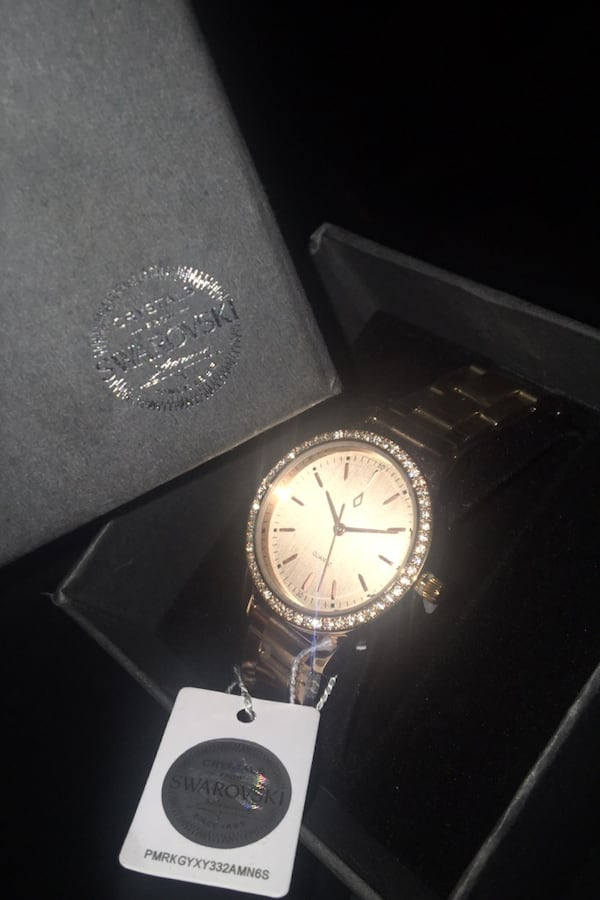 Swarovski rose gold watch. 3