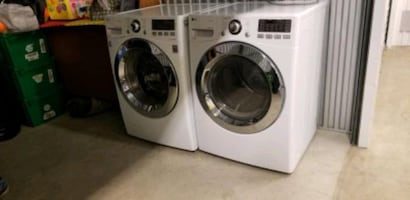 LG Washer and dryer set natural gas