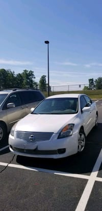 Nissan altima runs like new Sudley Springs