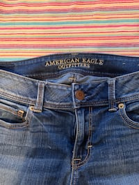 Woman's American Eagle Jeans Providence, 02908