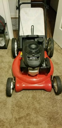 "Yard Pro 160 21"" lawn mower. Honda engine  72 km"
