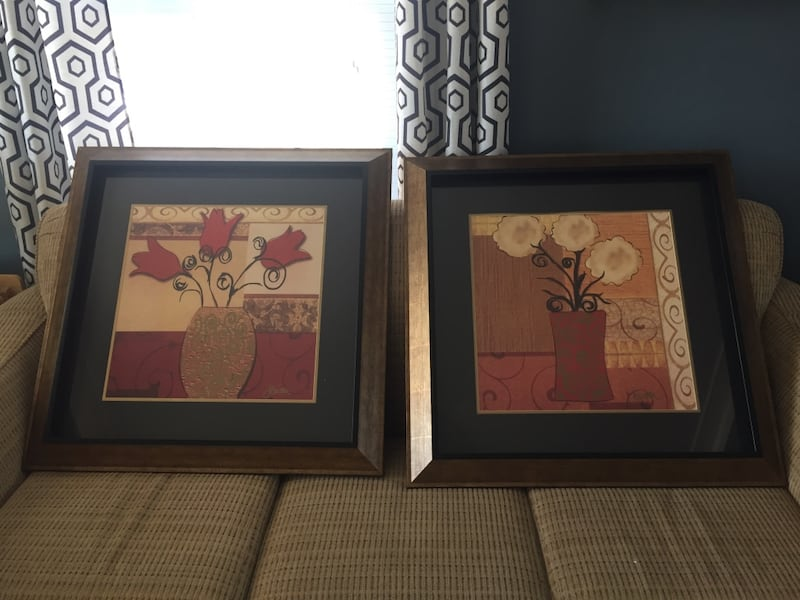 Two Large Framed Pictures of Flowers d089434d-029d-4443-8641-a2bfc4414acc