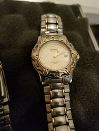 round silver-colored analog watch with link bracelet Kelowna, V1Y 2L2