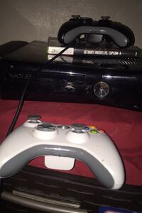 Xbox 360 Live 2 Controllers 2 games Oklahoma City, 73114