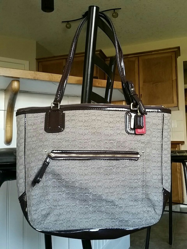 b3c9a1d9fd932 Used Brown Coach tote bag for sale in Calgary - letgo