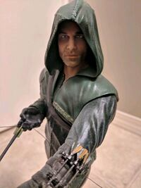"""Arrow"" limited edition custom statue Beaumont, T4X"