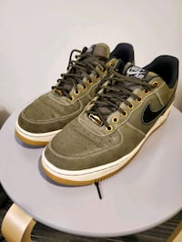 Air Force 1 low top olive green