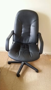 black leather office rolling chair Springdale, 20774
