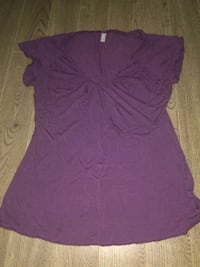 women's purple v-neck shirt Regina, S4S 4G2