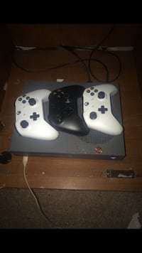 Xbox one s 500 gb Norristown, 19401
