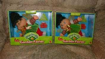 Two assorted color plastic toys