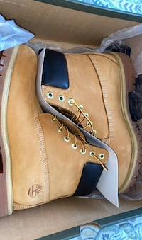 Men's Timberland Boots Size 8.5 *NEGOTIABLE* Toronto, M2M 3X4
