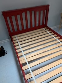 ***$110 Beautiful Hardwood Bed In Excellent Condition ***$110 CHARLOTTE