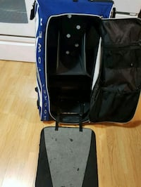 black and blue car seat carrier Kelowna, V1X 3J8