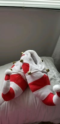 Jingle Elf slippers womens large 9