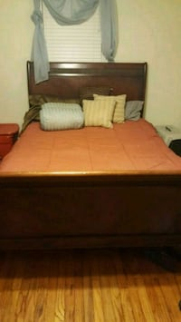 MUST GO NOW! SERIOUS INQUIRIES ONLY!  BED, MIRROR, DRESSER, STAND /MAT New Orleans, 70131
