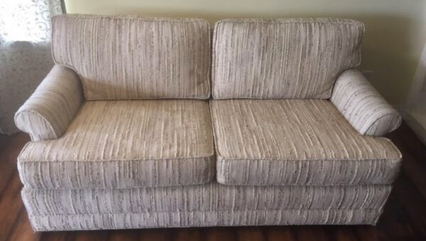 Used Sofa Cream Color Good Condition Measures 65 Long Couch Furniture Muebles For In San Marcos Letgo