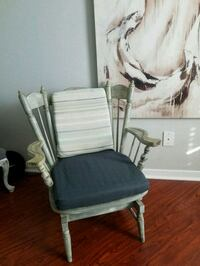 Vintage chic rocking chair