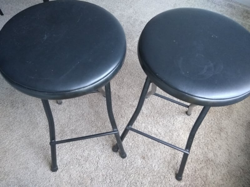 2 Stools in great condition. 5a8c762d-98e9-46d4-bfbb-e0a303baefc0