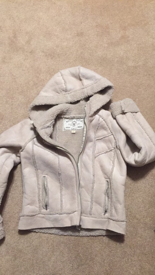 5fd421103d3 Used Size small jacket for sale in Mississauga - letgo
