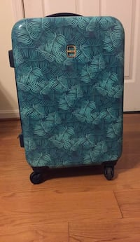 Ellen Tracy Suitcase Upper Marlboro, 20772