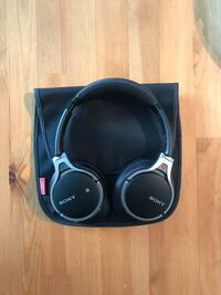 Sony Wireless Over-Ear Headphones Toronto, M5V 1A4