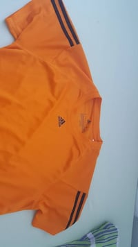 Orange Adidas Rundhals-T-Shirt Berlin, 13053