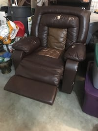 Brown leather recliner sofa  Severn, 21144