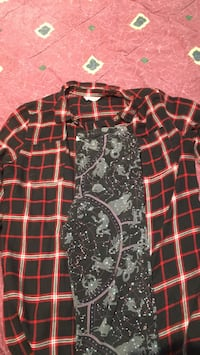 the flannel is from forever 21 and the leggings are from old navy Toronto, M9V