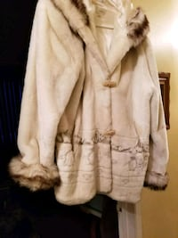 Beige plush coat wore one time XL Montreal, H8N 2S5