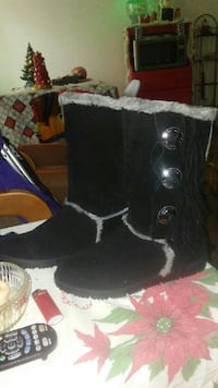 pair of black-and-gray suede winter boots Bellmead, 76705