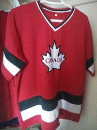 I have a Canadian hockey shirt for sale Dartmouth, B2X 1N4
