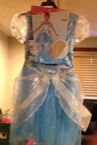 Cinderella costume size 7/8 great buy Montréal, H1S 1X9