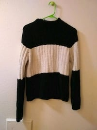 Size xl soft sweater Colorado Springs, 80909