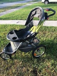 baby's black and green jogging stroller Miami, 33157