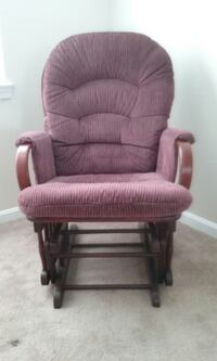 Slide rocker chair. Great condition   Linthicum Heights