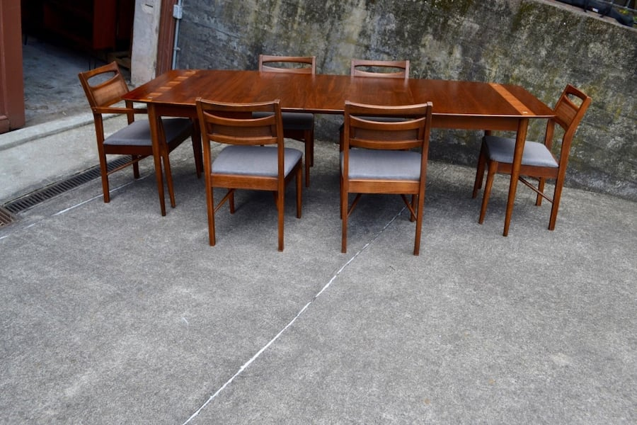 Mid Century American of Martinsville dining table 6 chairs/3 leaves f7d25685-f6df-4901-806a-abaf6719ed46